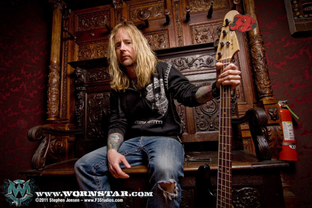 photo-Stevie-Benton-original-Drowning-Pool-musician