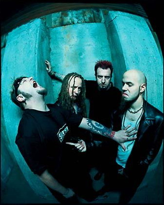 photo-band-Drowning-Pool-vocal-Dave-Williams
