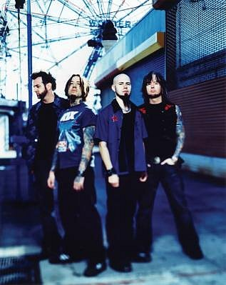 photo-band-Drowning-Pool-Jason-Gong-Jones