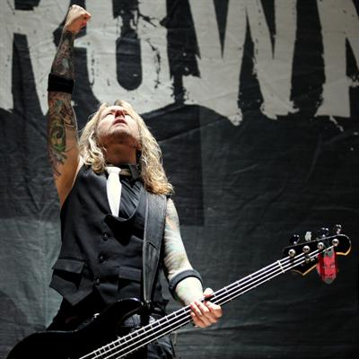 Интервью с бас гитаристом группы Drowning Pool - Стиви Бентон (Stevie Benton) - 2009  (Interview Stevie Benton - Drowning Pool bass guitar - 2009)